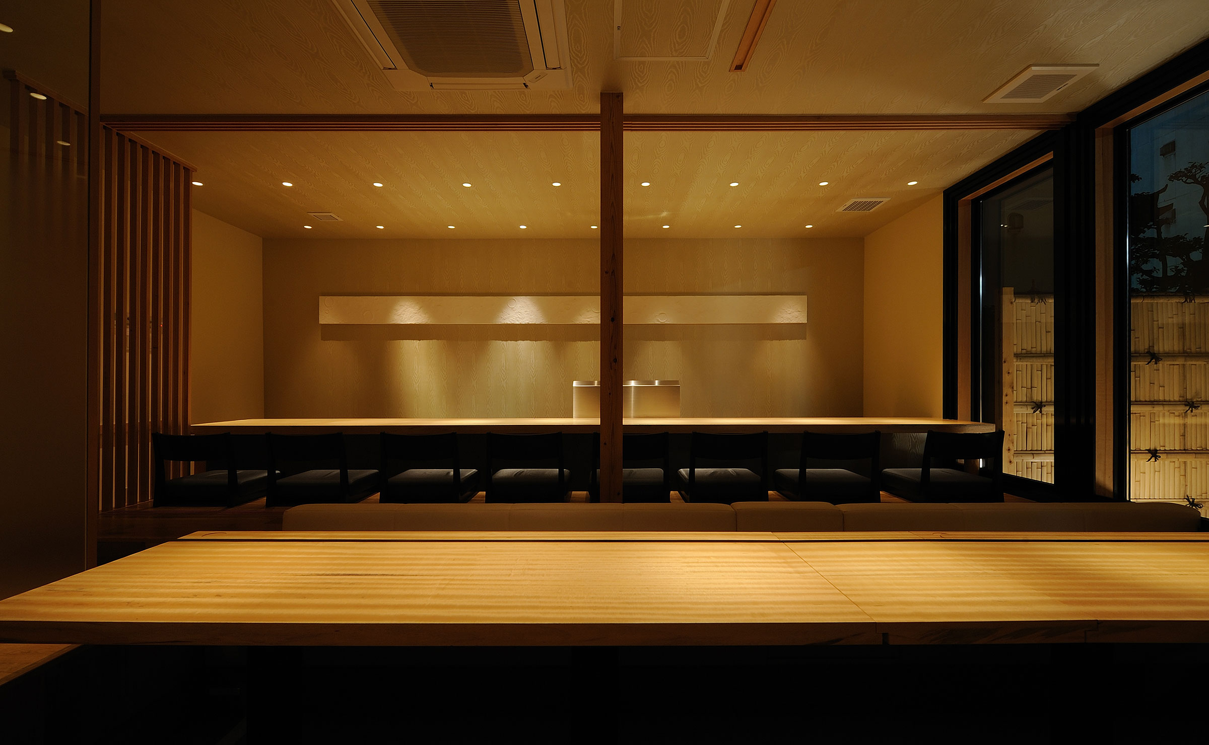 高級寿司店のカウンター席デザイン
