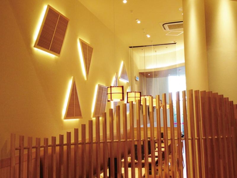 パーテーションと壁間接照明デザイン