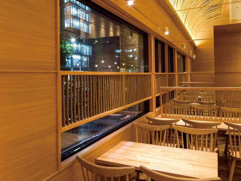 竹材テーブルと椅子の内装デザイン