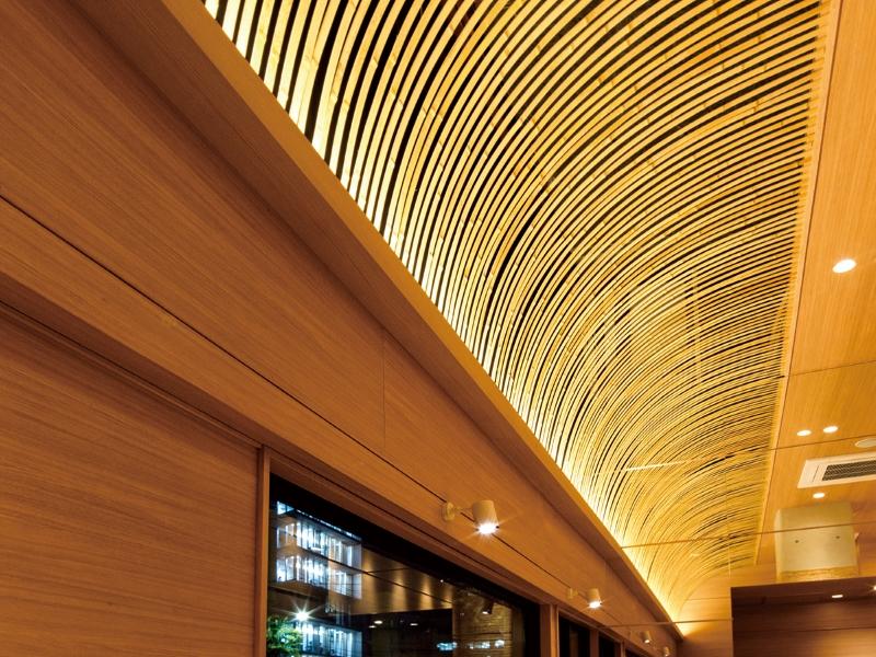 竹材を曲線天井のデザイン