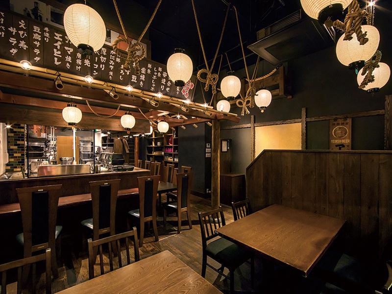 提灯が並ぶ大衆居酒屋の表現デザイン