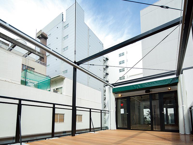 店舗外の屋上スペースのデザイン