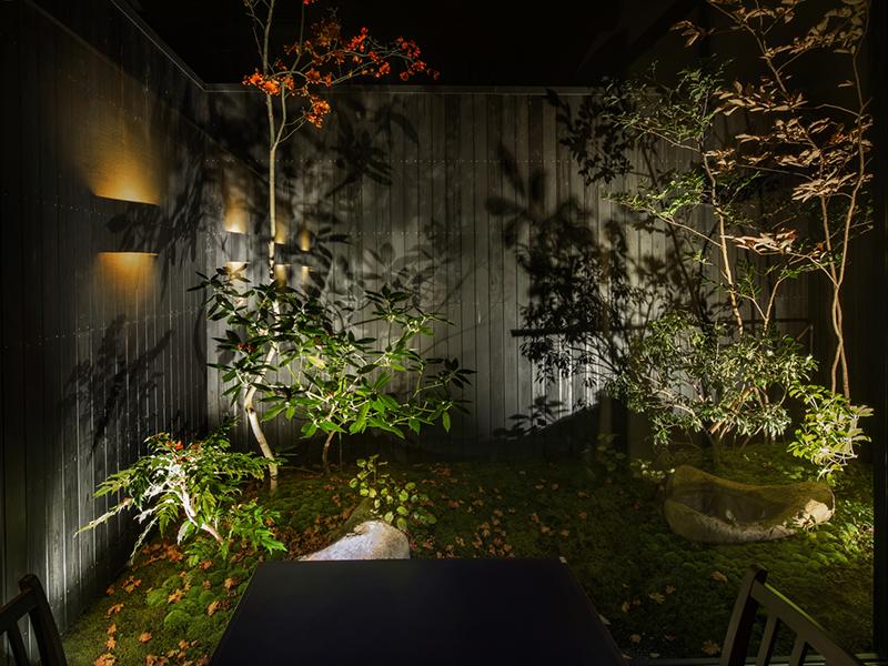 古民家改築レストランの庭デザイン