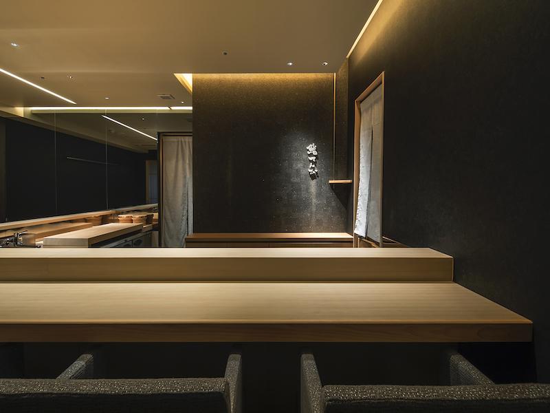 高級寿司店のカウンターデザイン