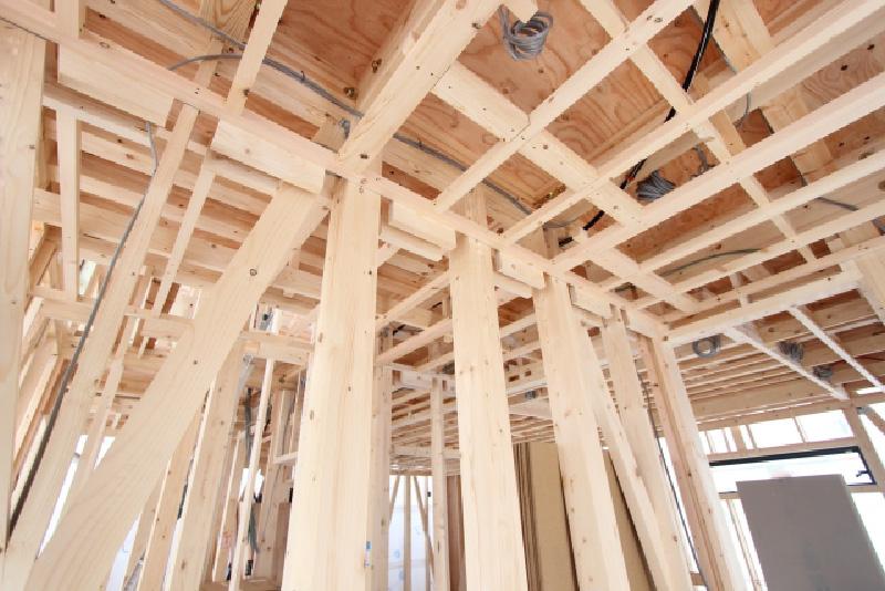 建築物の設計や工事の際によく耳にする梁とは