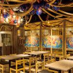 大衆海鮮居酒屋の店内装飾とデザイン