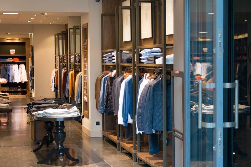 アパレルショップの店舗デザイン